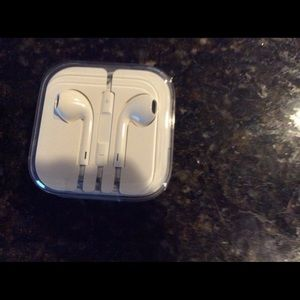 apple ear buds,  new with tags